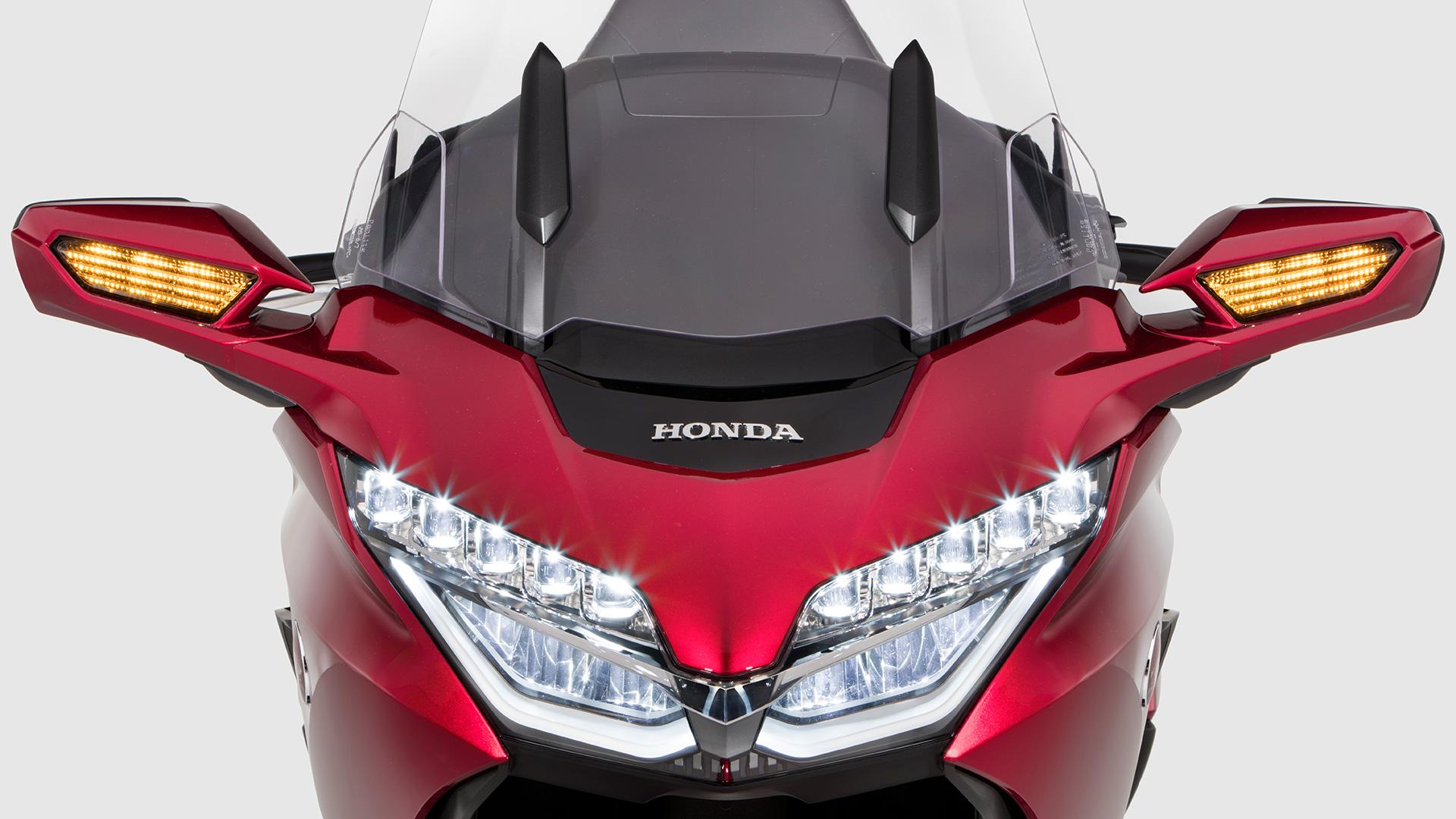 Honda-MKCA-13_HighBeams